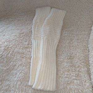 Gorgeous Cream Knit Fingerless Gloves